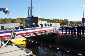 3047 Sailors salute